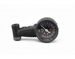 Alat za merenje pritiska u gumama AV/SV